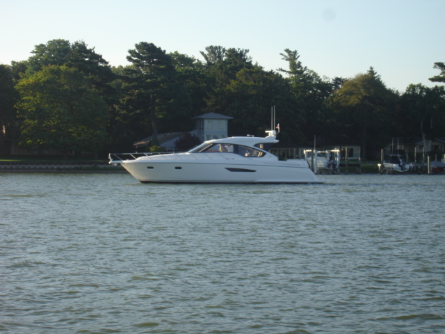 The Tiara 58′ Sovran – Wow what a fine boat.